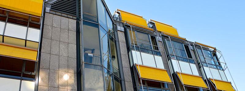 Ventajas de los toldos capota para ventanas